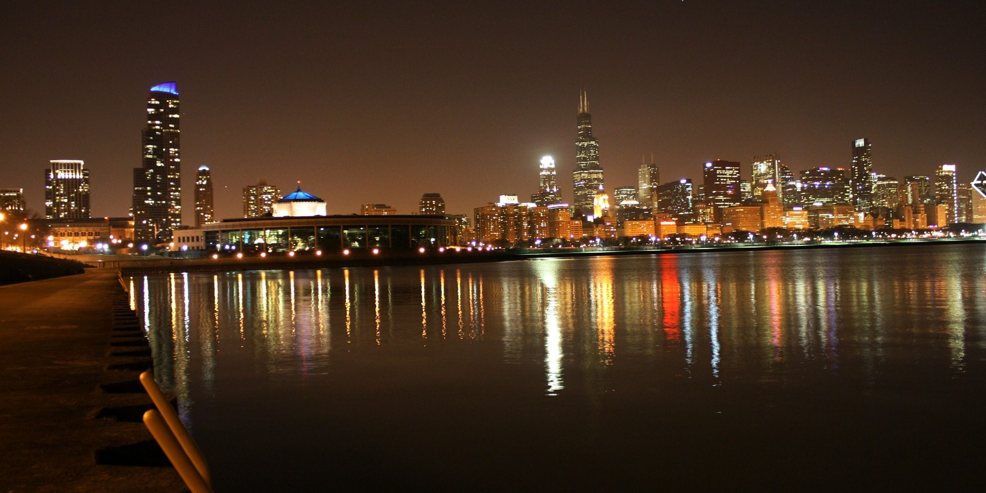 chicago-night-75293_1920